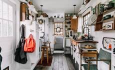 小夫妻蜗居14㎡小屋,整理确实能改变人生!