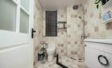卫生间的墙面砖,深浅搭配真好看!