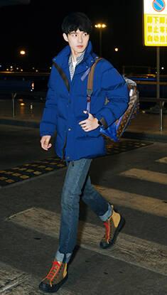 看到刘昊然的机场街拍 以后再也不说羽绒服不时髦了