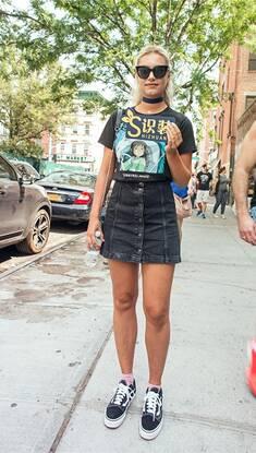 有了这件高腰小短裙 胸以下全是腿再也不是梦