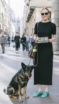 全球GO|米兰姑娘就算出门遛狗也时髦得不要不要的!