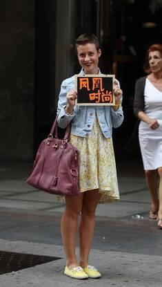 """凤凰时尚米兰街拍第三季 """"男孩头""""搭短裙玩反转混搭"""