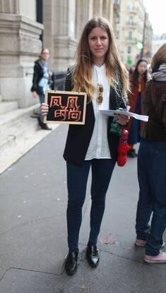 黑色占领时尚巴黎街头 潮人街拍黑超是利器
