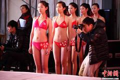 山东艺考美女多:模特选秀3成未满18岁