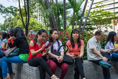 香港菲佣排遣寂寞的方式