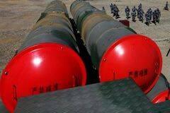 西部战区红旗9导弹群大年不休 驻训高原苦练