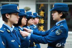 女大学生士兵放弃名校深造留部队