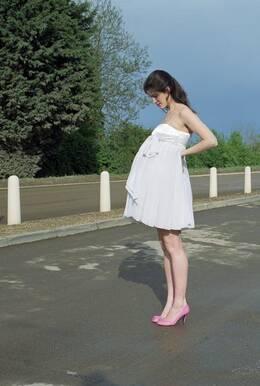女人怀孕后为什么肚子上有一条线?