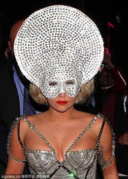 具造型走红 学明星用面具打造时尚感