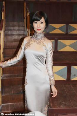 林心如罕见短发造型曝光 穿旗袍秀凹凸身材图片