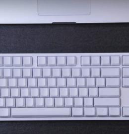 小米悦米机械键盘图赏:全铝合金一体化后盖