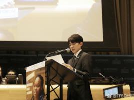王源自拍不露脸 公益活动频频出现他的身影