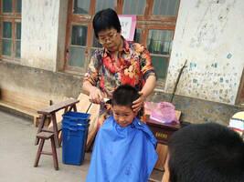 """湖南乡村教师35年坚守,希望把更多孩子""""托出大山"""""""
