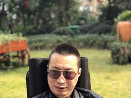 """""""渐冻人""""阿东:没有残疾的人,只有残疾的眼光"""