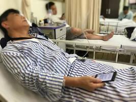 """救过150多条人命的""""西湖捞哥""""病倒了,此前一直在加班"""