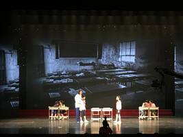 """上海第一所""""弄堂学校""""由三位家庭妇女创办,今迎60岁生日"""