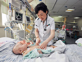 《为你而歌》之钱素云:危重患儿的生命曙光
