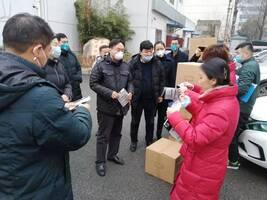 湖北省慈善总会:15万个口罩投放武汉三大火车站