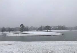 大雪侵袭!美巡赛季后赛收官战举办地东湖美景