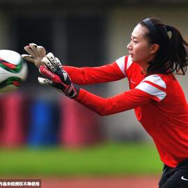 女足训练被暴雨阻断