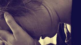 老人将孙女扔窗外致死:家怨互害为何多为毁灭性?