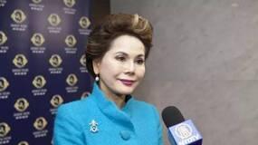 15岁当妓女,22岁成为总统夫人,53岁全裸,76岁跳钢管舞,她活成最率真女王!