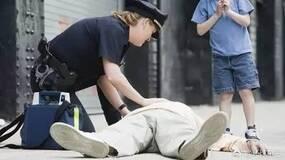 """在德国""""见死不救""""不仅是道德问题,而且会遭到警方通缉!(黑白先生)"""