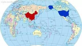 我用自制的两张图片引导学员讨论国内国际形势