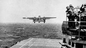【9.4】1942年,15架美国轰炸机在中国迫降……