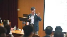 韦森:中国经济正在进入一个中高速增长时期(视频)