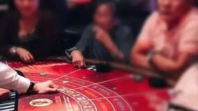 在赌场里等死的中国老人|荐文
