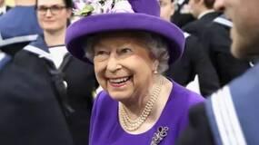 20年了,英国女王和英国王室一直在进化
