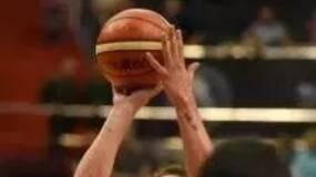 俄罗斯把篮球比赛拍成了爱国主义影片