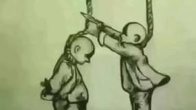 你帮他剪绳子,他却踢你脚下的凳子!