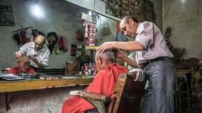 老家的哑巴理发匠