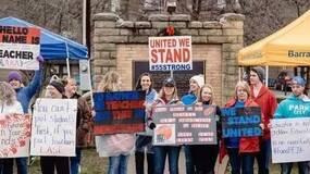 停课罢工涨工资,美国教师工资为何这样低?