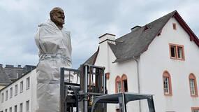 马克思诞辰200周年前夕,中国赠4.4米铜像在其故乡落成