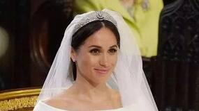 她出身贫民窟,离过婚,照样嫁入英国王室,凭什么?