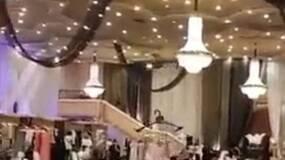 沙特时装秀,这画面也太诡异了....