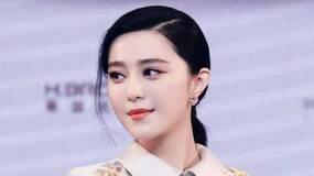 范丞丞18岁生日,姐姐和父母一起庆贺,为何不见李晨