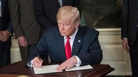 """特朗普撤回移民""""骨肉分离""""政策,到底是谁起了作用?"""