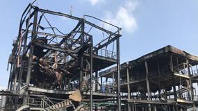 直击 四川江安爆燃致19人死亡,建筑被烧得只剩钢架