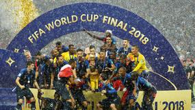 世界杯·直击|法国队捧起大力神杯,莫德里奇获最佳球员