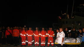普吉翻船|中国救援队带最后一名遇难同胞回家