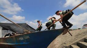 """直击丨应对台风""""安比"""",上海沿海一线地区严阵以待"""