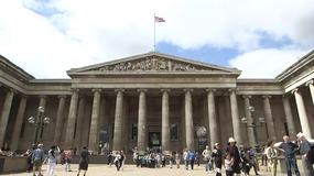 她在大英博物馆修文物:用开水洗名画,拯救镇馆之宝