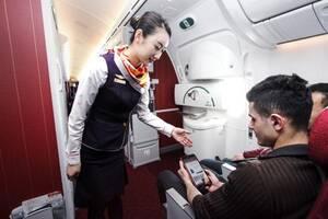 春秋航空:飞机上有条件使用手机,不干扰飞行
