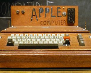 苹果第一代计算机以90.5万美金拍卖成交