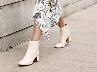 百搭又舒适的白色短靴