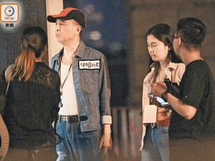 香港殿堂级男歌手热恋小40岁女友